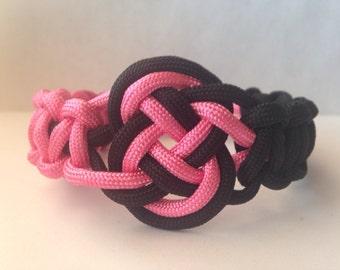 Custom Cobra Weave Paracord Bracelet with Coin Knot Center