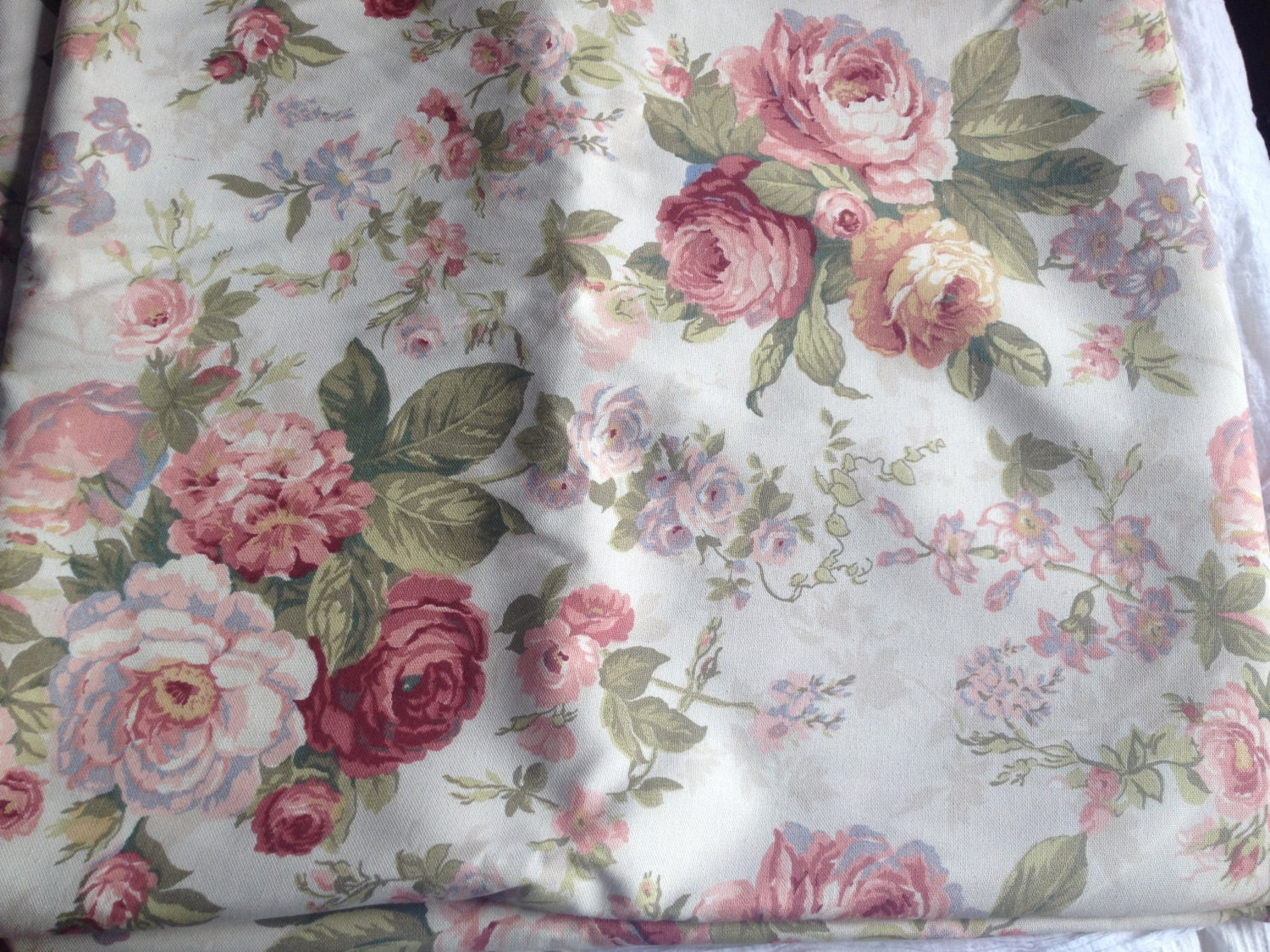 Vintage english flowery fabric flowers liberty style sewing - Tissu ameublement vintage ...