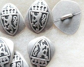BM11, 3 buttons,  19mm, (3/4 inch), Lion, Coat, of, Arms, lion coat, vintage, colors mixtes