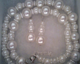 Bridesmaid gift - Pearl Jewelry Set with Necklace and Earrings