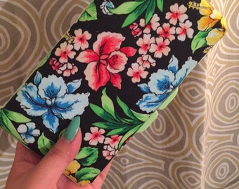Floral print wipes case