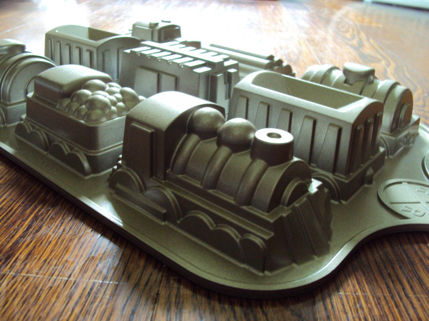 Nordicware Train Cake Mold / Pan