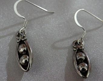 2 PEAS IN A POD Earrings