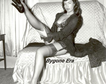Bettie Page Fishnet Stockings High Heels Pinup Girl Art Poster Artwork Photo 11x14