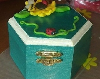 Handpainted wooden jewelry box with Fimo