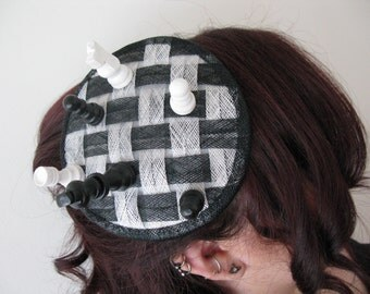 Chess fascinator