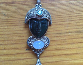 Goddess pendant Sagen by Offerings