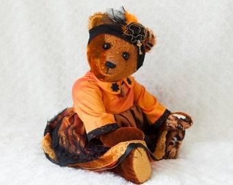Amber artist teddy bear Bekkiebears