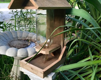 Country style bird feeder