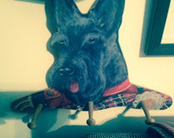 Scottish Terrier 3-Peg Hanger, Hand-Painted Effect, Wooden, Classic Scottie Face with Plaid Sweater, Wall Hanging