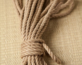 Small-scale jute rope