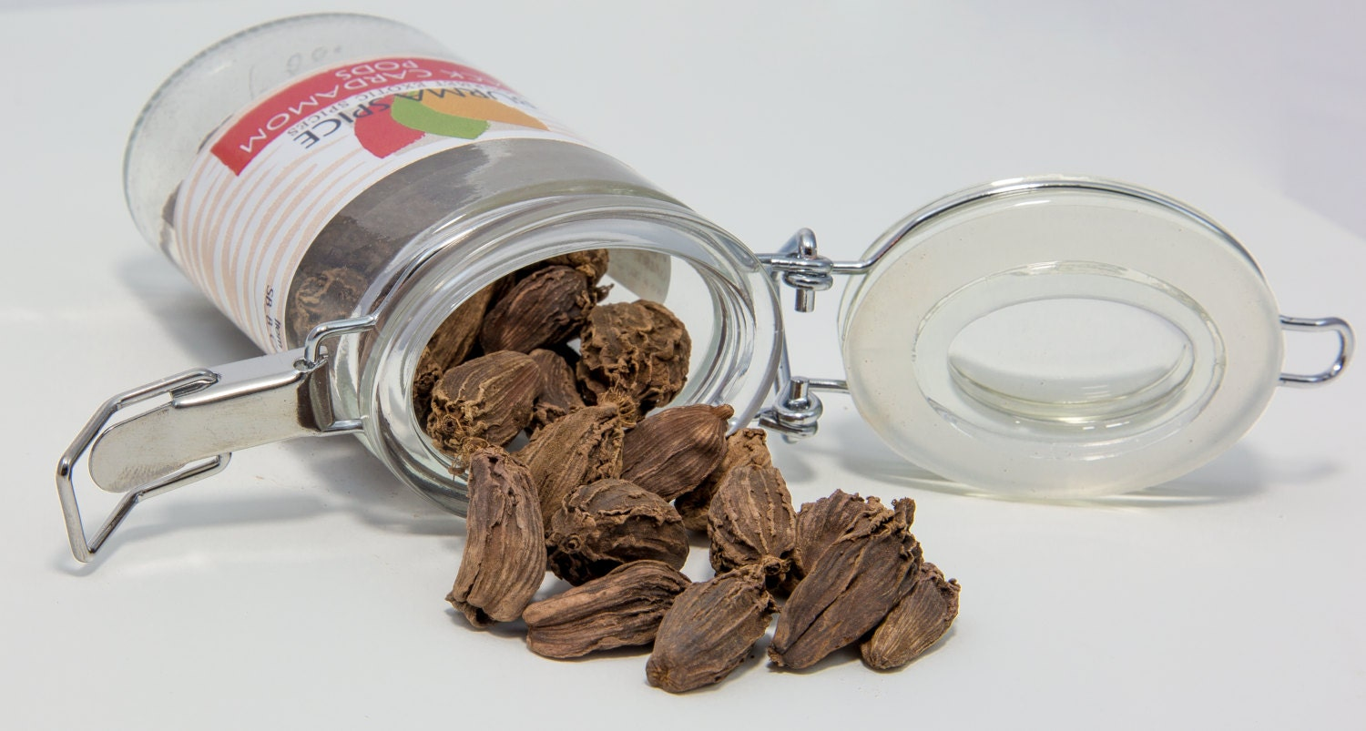 Black Cardamom Pods in Glass Spice Preserve Bottle 1.1 oz.