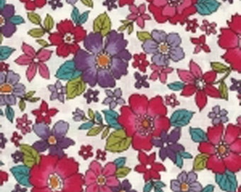 14 raspberry rustle - lightweight cotton Japanese fabric - sold by 10 cm (110 x 10 cm) - flower Collection - Lisa