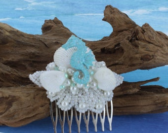 Seahorse Wedding Comb / Seashell Hair Comb / Beach wedding comb / Beach Bride / Destination Wedding /  Beach Wedding Accessories
