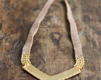 Brown leather necklace Combined with gold element