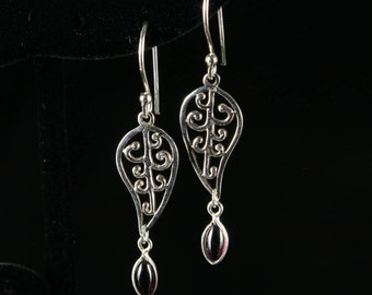 Leaf and garnet dangles