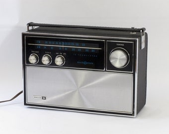 Philco Solid State AM/FM Portable Radio
