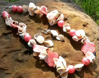 This bright cheerful creation is called summer romance.