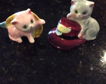 Vintage PY kitty cats with hats salt and pepper