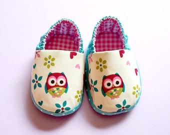 Elastic Baby Booties - The Wise Owl