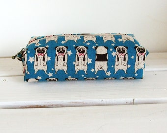 Long box pouch - pug in blue