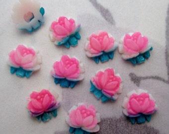 18 pcs. vintage plastic pink & turquoise rose flower flat back cabochons 7mm - f4704