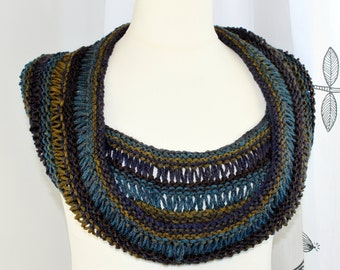 Cowl Hand knit Free Size
