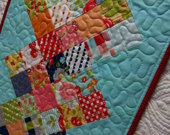 Happy Days Table Runner Quilt