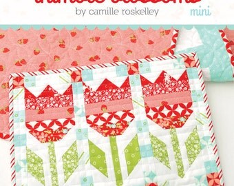 MINI Vintage Tulips quilt pattern from Thimble Blossoms