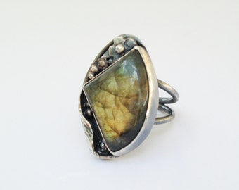 Green Labradorite Stone Ring, Size 5 3/4 Sterling Silver Handcrafted Ring Artisan Metalsmith Nature Lover Ring, Flowers Leaves Floral Ring