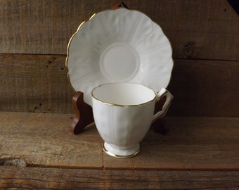 Vintage Cup and Saucer, Demitasse Cup, Teacup and Saucer, White and Gold, Aynsley Teacup, Made in England, Shabby Table, Tea Party