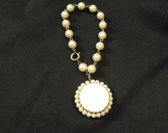 Darling Vintage Pearl Bracelet