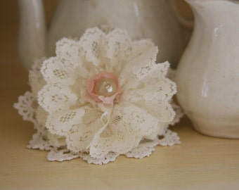 Lace Flower Pin/Brooch/Corsage/Vintage Laces/Wedding/Shabby Chic Flower Pin
