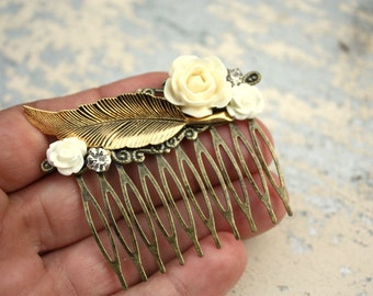 Boho feather hair comb, Ivory bridal hair comb, Ivory flower vintage collage wedding hair comb for bride or bridesmaids hair, gold feather