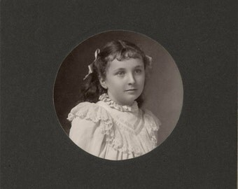 vintage photo Cabinet 7 Yr Old Girl Myra Elwell Brigham Battle Creek Michigan