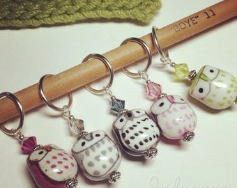 5 Stitch Markers - Cherry & Lime Owls