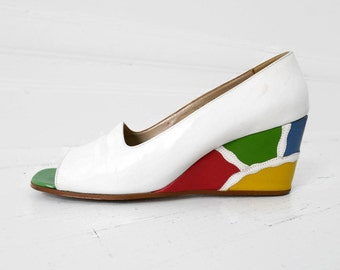 Size 8.5 Vintage Wedge Pumps Open Toe White Leather Multicolor Abstract Heel 8.5 //98