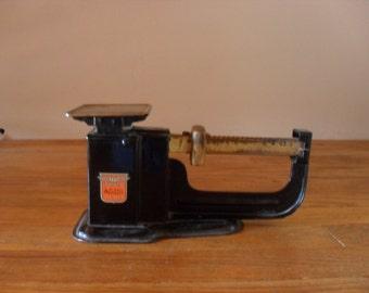 vintage triner postal scale