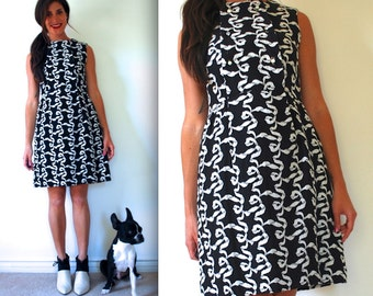 FLASH SALE / 20% off Vintage 60s Forget Me Not Black and White Double Breasted Mini Shift Dress (size xs, small)