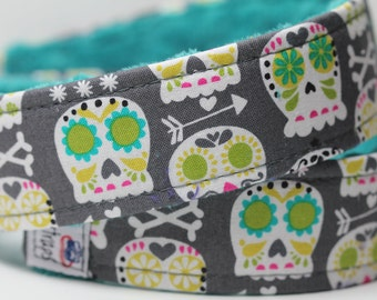 Skulls Camera Strap for DSLR with Teal Minky - Bonehead in Gray