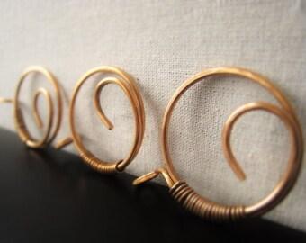 Gold Bronze Circle Pendant 35mm Item No. 3301