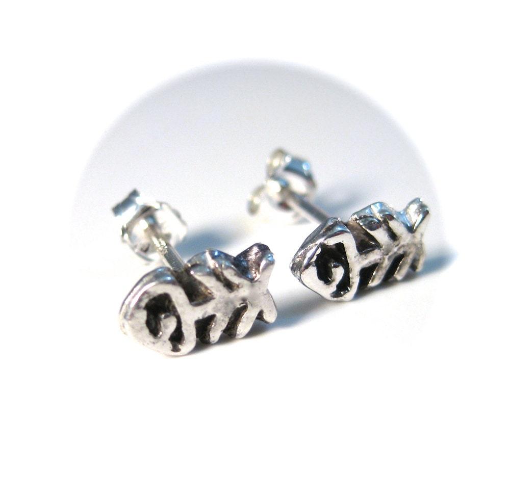 Fish bones stud earrings sterling silver fish earrings for Fish bone earrings