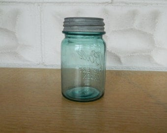Vintage Ball Perfect  Mason Pint size Jar with Zinc Lid