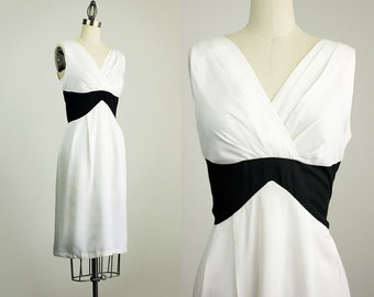90s Vintage Black And White Wrap Bodice Day Dress / Size Small