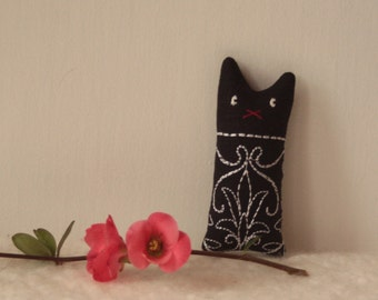 Veronique:  black linen cat, dream pillow cat, lavender sachet