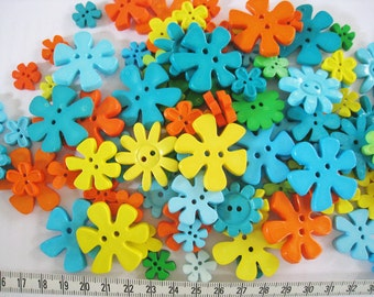 30 pcs of Flower Button - 15mm to 33mm - Teal Orange Green Blue Yellow