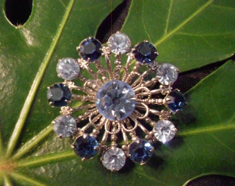 Brooch/Silver/ Blue Rhinestones/Vintage