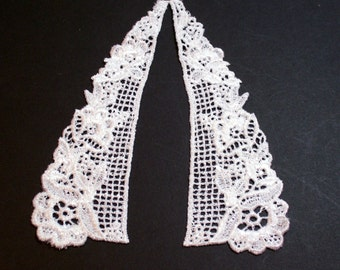 Lace Collar, White Venice Lace Applique Collar Set of 2 Pieces, Lace Collar Applique, Child Applique, Doll Applique