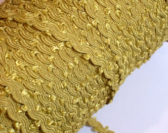 Gold Ribbon, Vintage Mustard Gold Scallop Sewing Trim 1/4 inch wide x 3 yards