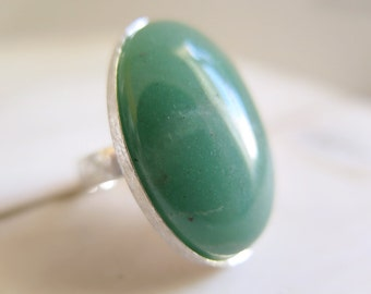 SALE - Aventurine ring. Sterling silver ring with Aventurine Quartz. Aventurine Quartz, Quartz ring, green gemstone, green ring, statement.